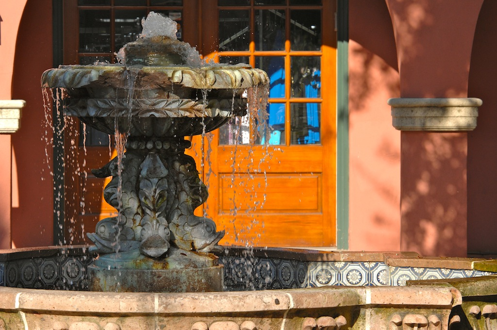courtyard fountain in Saint Augustine, Florida|via One is Hungry